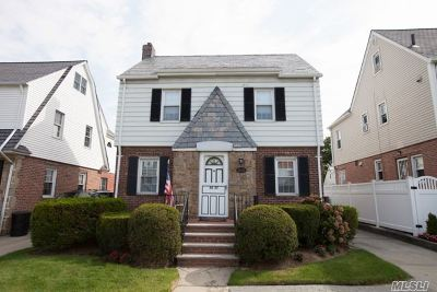 Bayside Single Family Home For Sale: 50-27 213th St
