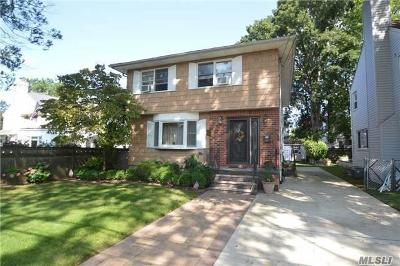 Malverne Single Family Home For Sale: 60 Lawrence Ave