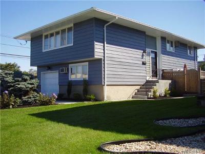 Oceanside Single Family Home For Sale: 3331 Lawrence Ave