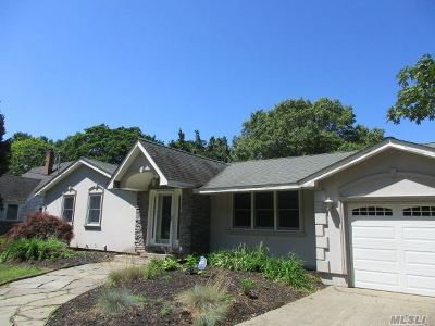 Bohemia Single Family Home For Sale: 240 Central Ave