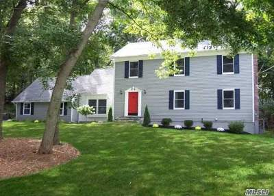 E. Setauket Single Family Home For Sale: 110 Gnarled Hollow Rd