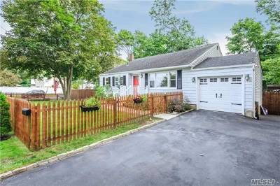 Lake Ronkonkoma Single Family Home For Sale: 173 Foster Rd