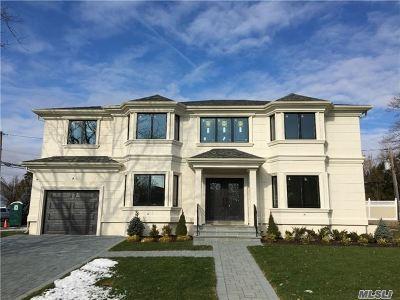 Jericho Single Family Home For Sale: 58 Sullivan Dr