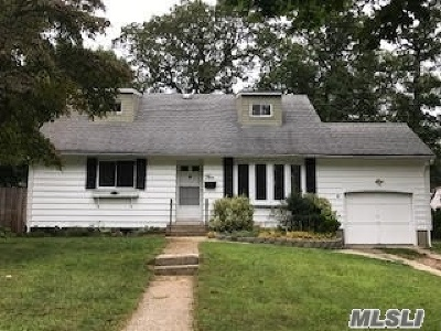 Smithtown Rental For Rent: 5 Buttonwood Path