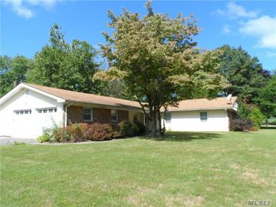 Stony Brook Single Family Home For Sale: 40 Manchester Ln