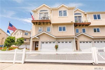 Long Beach NY Condo/Townhouse For Sale: $869,000