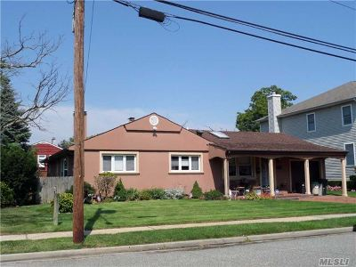 Woodmere Single Family Home For Sale: 824 Jefferson St
