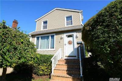 Bellmore Single Family Home For Sale: 304 Frederick Ave