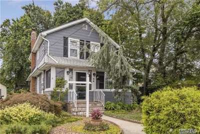 Lynbrook Single Family Home For Sale: 20 Exeter Ave