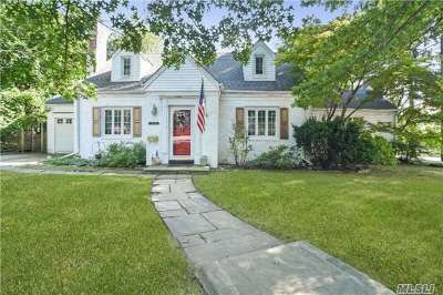 Little Neck NY Single Family Home For Sale: $945,000