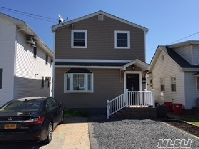 Single Family Home For Sale: 133 West Blvd