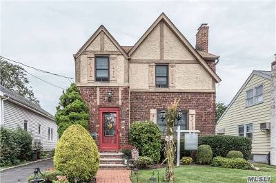 Lynbrook Single Family Home For Sale: 36 Driving Park Ave