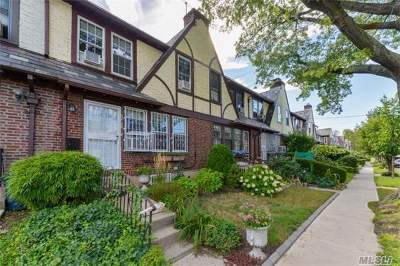 Forest Hills Single Family Home For Sale: 67-70 Exeter St