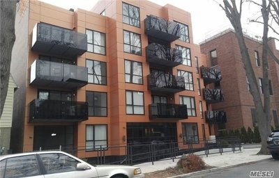 Bayside Condo/Townhouse For Sale: 43-12 214th Pl #5B