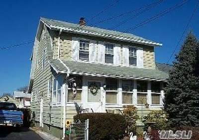 Hicksville Single Family Home For Sale: 48 Notre Dame Ave