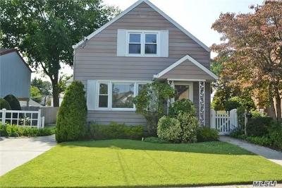 Nassau County Multi Family Home For Sale: 31 Norwood Rd