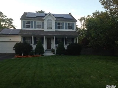 Center Moriches Single Family Home For Sale: 3 Hyland Rd