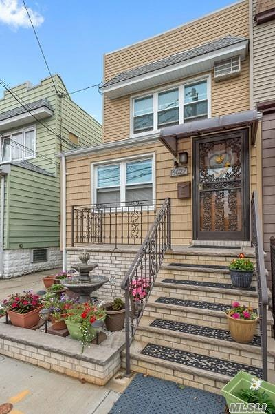 Middle Village Single Family Home For Sale: 66-27 75th St