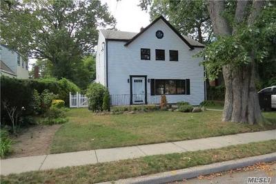 Hewlett Single Family Home For Sale: 56 Prospect Ave