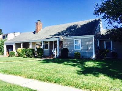 Oceanside Single Family Home For Sale: 2991 Trinity St