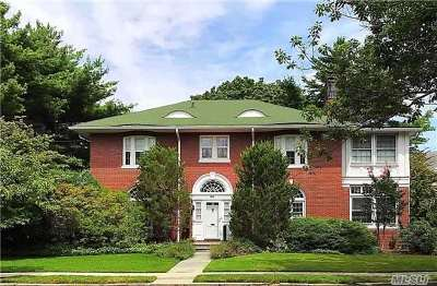 Woodmere Single Family Home For Sale: 96 Neptune Ave