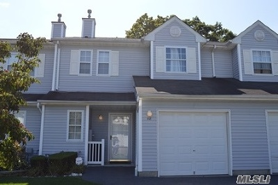Bay Shore Single Family Home For Sale: 48 Smith Ave