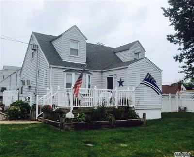 Inwood Single Family Home For Sale: 1 Westville Rd