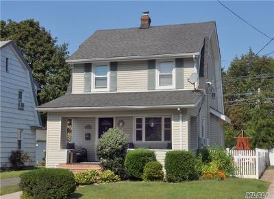 Floral Park Single Family Home For Sale: 131 Magnolia Ave