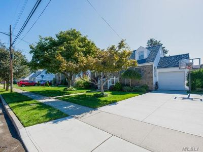 East Meadow Single Family Home For Sale: 1840 Grant Ave
