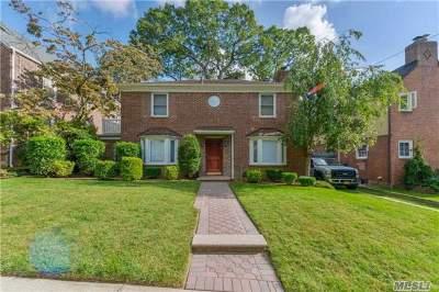 Jamaica Estates Single Family Home For Sale: 186-28 Avon Rd