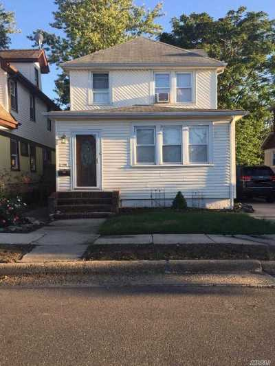 Mineola Single Family Home For Sale: 97 Liberty Ave