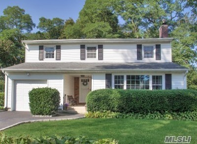 Hauppauge Single Family Home For Sale: 16 Appletree Dr