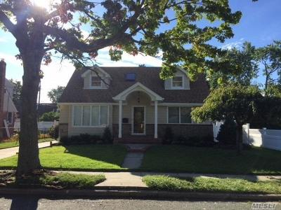 East Meadow Single Family Home For Sale: 1674 Martin Road