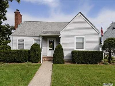 Westbury NY Single Family Home Sold: $475,000