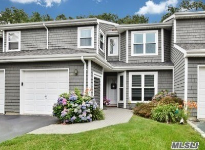 Commack Condo/Townhouse For Sale: 20 Madder Lake Cir.