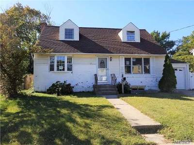Nassau County Single Family Home For Sale: 3044 Xavier Pl