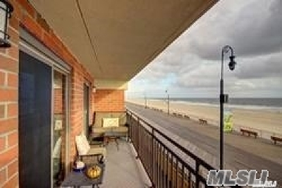 Long Beach NY Condo/Townhouse For Sale: $649,000