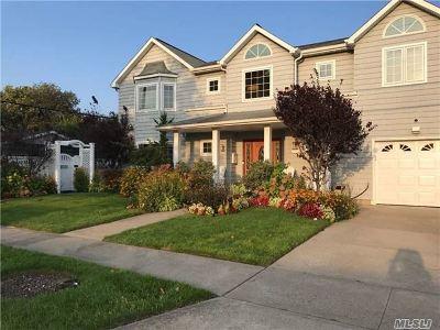 Atlantic Beach Single Family Home For Sale: 102 Cayuga