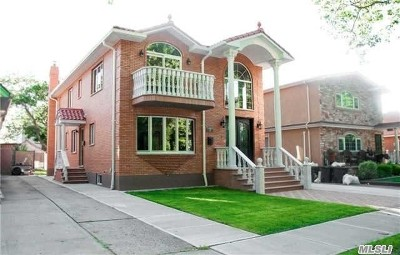 Bayside, Oakland Gardens Multi Family Home For Sale: 69-38 230th St