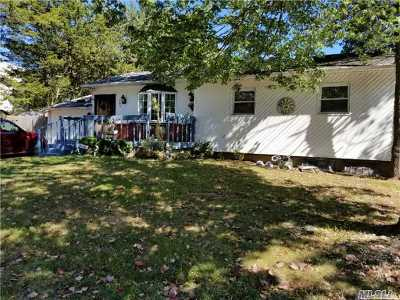 Central Islip  Single Family Home For Sale: 392 Evergreen Ave