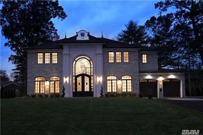 Roslyn Heights Single Family Home For Sale: 172 Parkway Dr