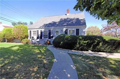 Levittown Single Family Home For Sale: 1 Honeysuckle Rd