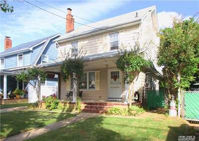 Garden City Single Family Home For Sale: 624 Ardsley Blvd