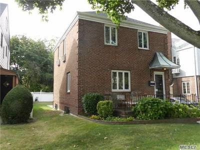 Fresh Meadows Single Family Home For Sale: 76-46 174th St