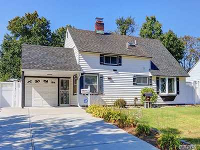 Levittown Single Family Home For Sale: 69 Bloomingdale Rd