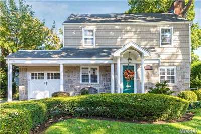 Malverne Single Family Home For Sale: 112 Norwood Ave