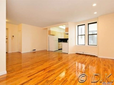 Long Beach NY Condo/Townhouse For Sale: $345,000