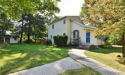 Centereach Single Family Home For Sale: 20 Poplar St