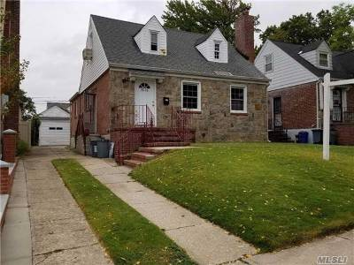 Fresh Meadows Single Family Home For Sale: 75-15 182nd St