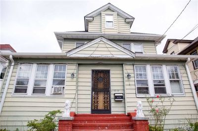 Briarwood Single Family Home For Sale: 85-57 151st St